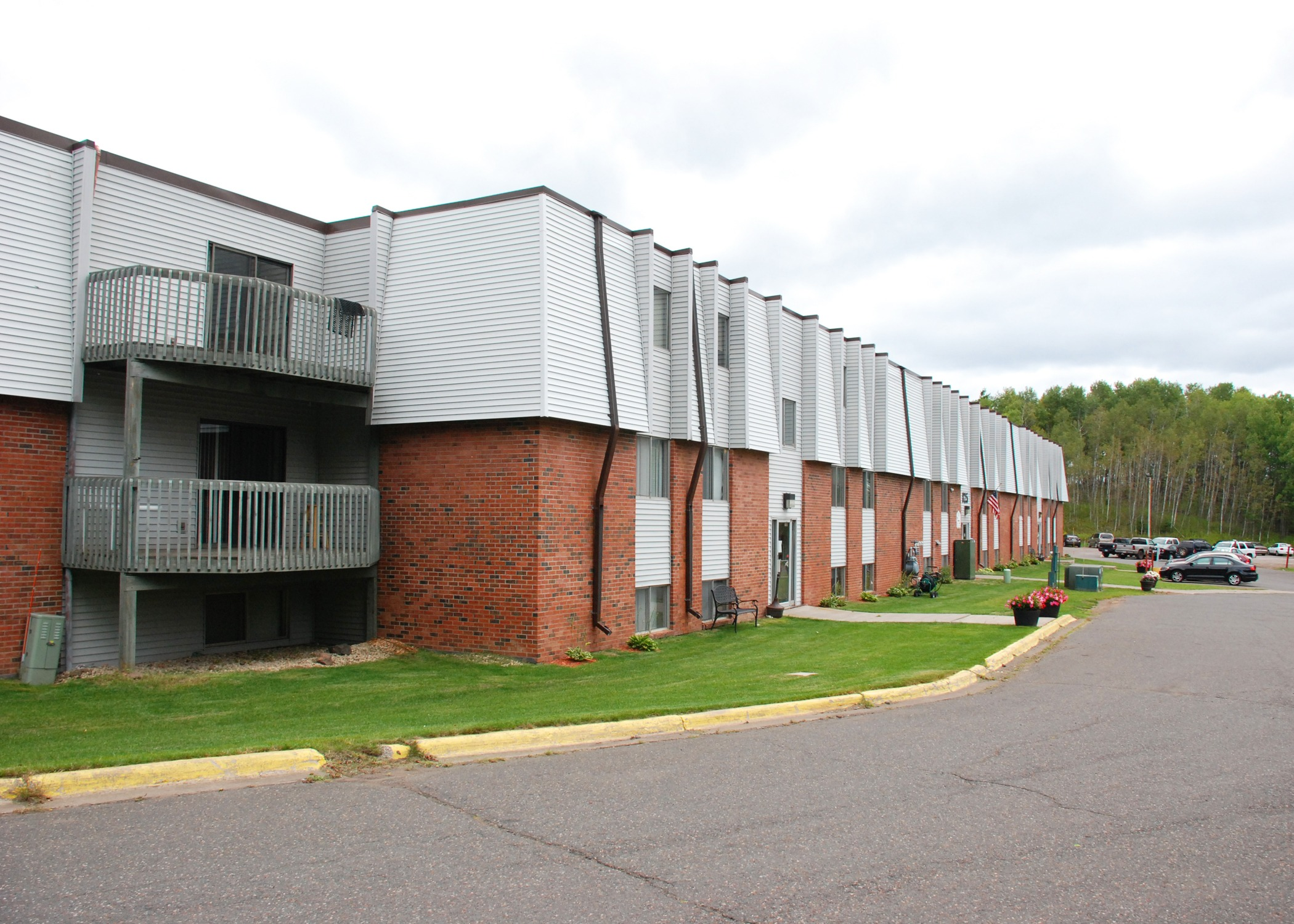oliver management services find apartments in minnesota wisconsin